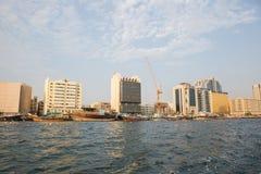 ДУБАЙ, ОАЭ 18-ОЕ ЯНВАРЯ: Небоскребы в центре города на января Стоковое Фото