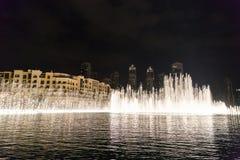 ДУБАЙ, ОАЭ 16-ОЕ ЯНВАРЯ: Небоскребы в центре города на января Стоковые Изображения RF