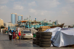 ДУБАЙ, ОАЭ 18-ОЕ ЯНВАРЯ: Небоскребы в центре города на января Стоковые Фото