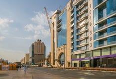 ДУБАЙ, ОАЭ 18-ОЕ ЯНВАРЯ: Небоскребы в центре города на января Стоковое Изображение
