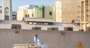 ДУБАЙ, ОАЭ 18-ОЕ ЯНВАРЯ: Традиционные паромы Abra 18-ого,2 января Стоковая Фотография RF
