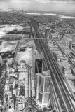 ДУБАЙ, ОАЭ - DECEMEBER 10, 2016: Вид с воздуха дороги шейха Zayed Стоковое Фото
