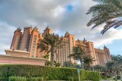 ДУБАЙ, ОАЭ - DECEMEBER 10, 2016: Гостиница Атлантиды как увидено от Стоковое фото RF