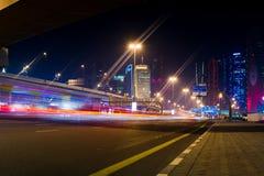 Дубай, Объединенные эмираты, 11-ое февраля 2018: Sce улицы Дубай Стоковое Изображение