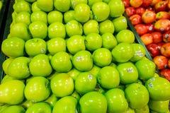 Дубай - 7-ое января 2014: Супермаркет Дубай Стоковое Изображение RF