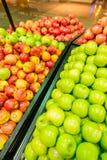 Дубай - 7-ое января 2014: Супермаркет Дубай Стоковое Изображение