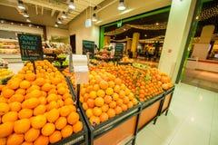 Дубай - 7-ое января 2014: Супермаркет Дубай Стоковые Изображения RF