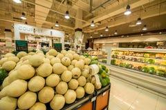 Дубай - 7-ое января 2014: Супермаркет Waitrose Дубай 7-ого января Стоковое фото RF