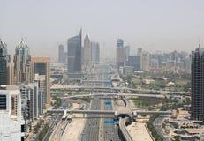 ДУБАЙ - ОКОЛО МАЙ 2017: панорамный вид с воздуха шейха Zay Дубай стоковое фото