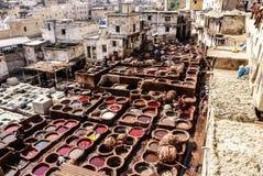 Дубильни Fes, танки Марокко, Африки старые tanneri ` s Fez Стоковые Фотографии RF