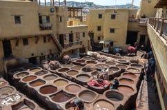 Дубильня Chouwara кожаная традиционная в старом medina Fes El Стоковая Фотография RF