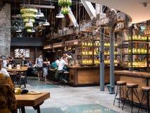 ДУБЛИН, ИРЛАНДИЯ - 22-ОЕ АВГУСТА 2018: Винокурня вискиа Jameson теперь музей стоковая фотография