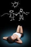 Думать девушки лежа Стоковое Изображение