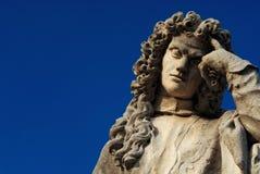 Думая статуя человека стоковое изображение