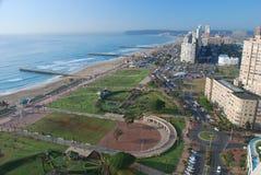 Дурбан. Северный взгляд утра пляжа. Kwazulu Natal, Южная Африка стоковые изображения