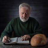 Духовная и материальная еда Стоковые Изображения RF