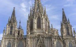 Духовность, готический католический Catalo Барселоны фасада собора стоковое изображение