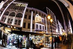 Дух рождества и светлая выставка в центре города Будапеште Стоковая Фотография