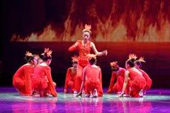 Дух танца ` s детей испытания академии танца Пекина огня сортируя выставки Цзянси достижения выдающего уча стоковое изображение