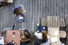 Дух террасы в еде и питье лета Стоковая Фотография