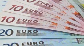дуют евро банка, котор замечает вне Стоковое фото RF