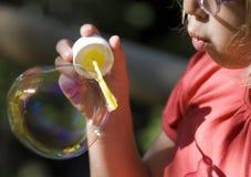 дуя мыло пузырей Стоковое Изображение RF