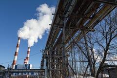 Дым загрязнения воздуха от труб и фабрики Стоковые Изображения