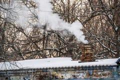 Дым от печной трубы Стоковые Фото