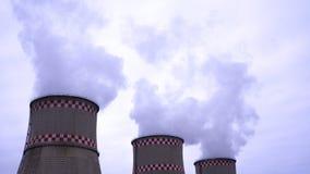 Дым от 2 промышленных печных труб глобальное потепление Загрязнение воздуха Стоковые Изображения