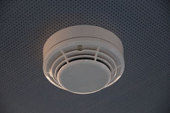 дым пожара детектора сигнала тревоги Стоковые Изображения RF