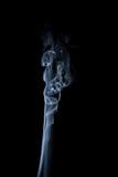 Дым поднимая вверх на черноту Стоковое фото RF