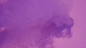 Дым с фиолетовым светом Стоковые Фотографии RF