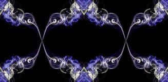 Дым фиолета и ecru абстрактный переплетенный сформировал в кругах Стоковые Фотографии RF