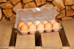 Дюжина из коричневых яичек Стоковые Фото