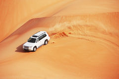 дюна 4x4 bashing популярный спорт Arabian Стоковая Фотография