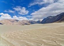 Дюна Snad в пустыне большой возвышенности Стоковое Изображение RF