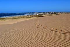 Дюны и городок Стоковое Изображение