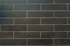 Длинные серые плитки с белым Grout Стоковые Фото