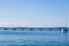 Длинный мост моря в Samana стоковая фотография rf