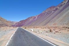 Длинняя прямая дорога Стоковые Фотографии RF