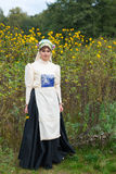 Еврейская женщина одела в национальных костюмах XIX века Стоковая Фотография