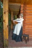 Еврейская женщина одела в национальных костюмах XIX века Стоковые Фото