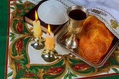 Еврейские еврейская пасха и кандели matzoh Саббата праздника Стоковое фото RF