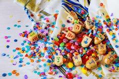 Еврейский натюрморт Dreidel праздника составил элементов фестиваль Chanukah Хануки Стоковое Фото