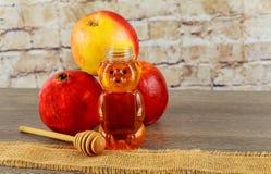Еврейский Новый Год Яблоки Rosh Hashana, праздник гранатовых деревьев меда Стоковые Изображения RF