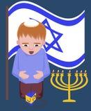 Еврейский ребенк с закручивая верхней частью, приветствиями Хануки