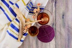 еврейское torah хлеба еврейской пасхи matzoh праздника hashanah rosh символа Стоковые Изображения RF