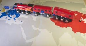 Европа и Китай поезда игрушки соединяясь Проект Yidaiyilu Стоковые Изображения
