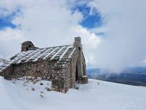 европа Франция Гора Ventou Облицовывает shapel на верхней части горы Сезон ` s зимы Высота в горы Стоковые Фотографии RF