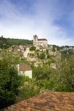 Европа, Франция, St Cirq Lapopie, историческая туристическая достопримечательность деревни clifftop стоковые изображения
